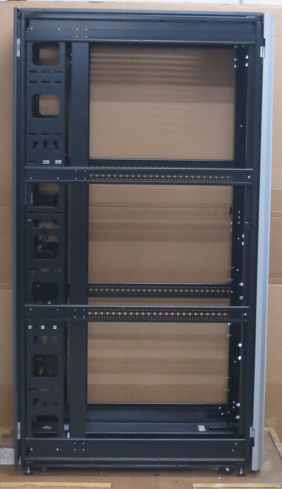 Cisco R Series R42610 42u Rack Ucs2 Int Server Enclosure